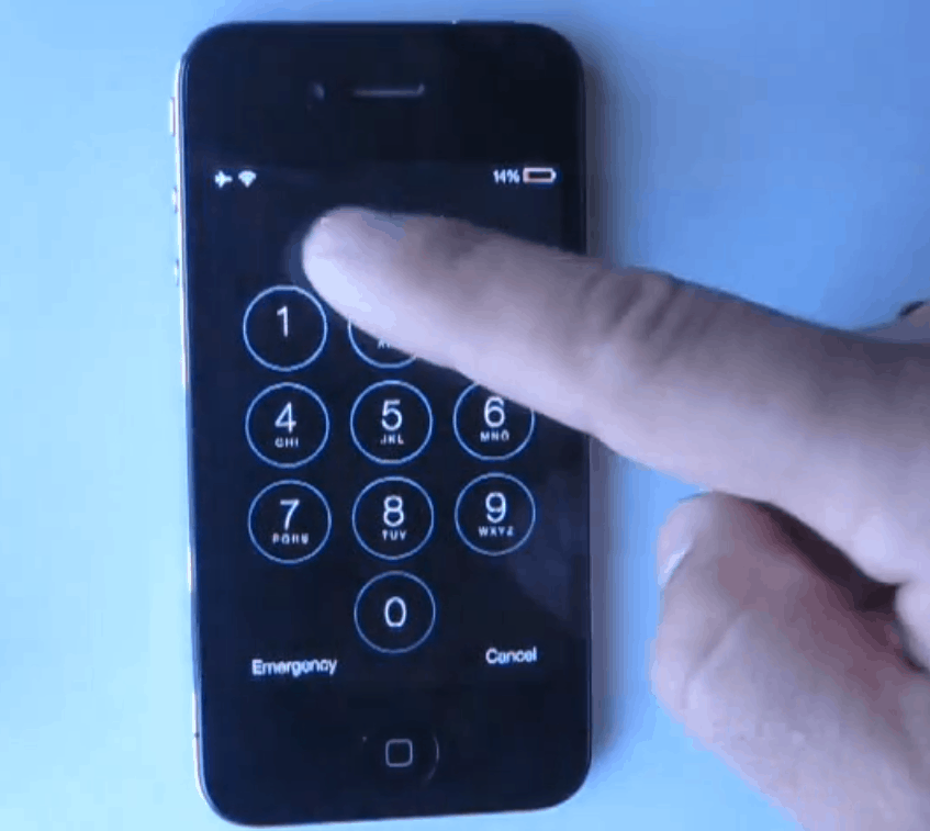 iOS 7 Lock-Screen Bypass